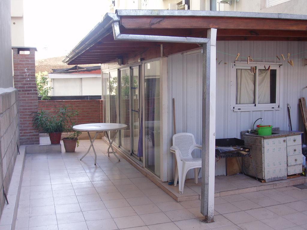 301 moved permanently for Fotos de patios con piletas
